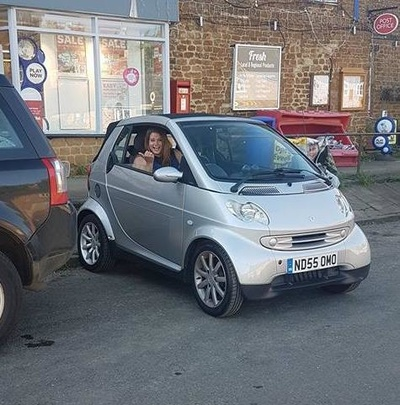 Proof that a Smart Car can Park Sideways to the kerb!